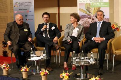 conferinta-riscuri-si-oportunitati-ale-finantarii-in-agricultura