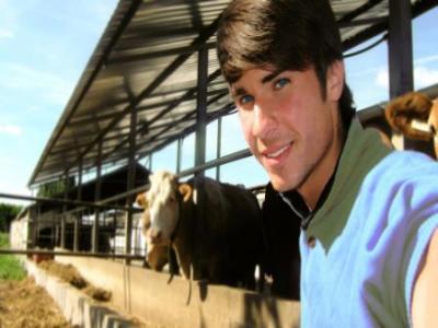 la-doar-23-de-ani-alexandru-tasedan-a-fost-desemnat-fermierul-anului