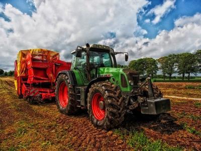 apia-distribuim-150-milioane-euro-catre-un-numar-urias-de-fermieri