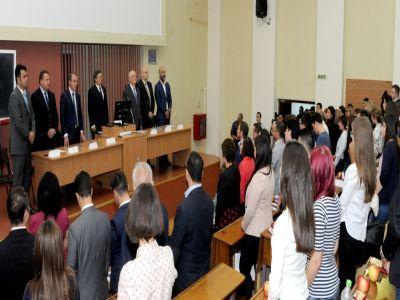 seful-madr-le-a-prezentat-studentilor-de-la-ase-oportunitatile-pe-care-le-ofera-agricultura-romaneasca