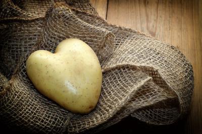 fncr-cartoful-a-fost-si-este-a-doua-paine-a-romanilor