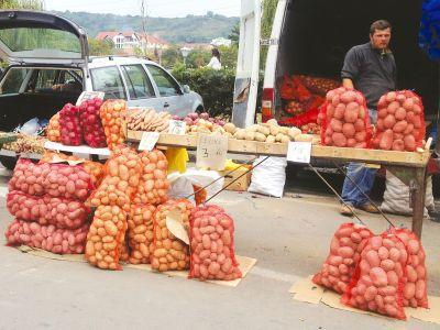 cartofii-fructele-proaspete-si-conservele-de-legume-in-topul-scumpirilor-de-luna-trecuta