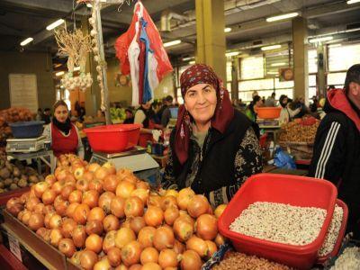 controale-in-piete-la-comerciantii-de-fructe-si-legume-autohtone