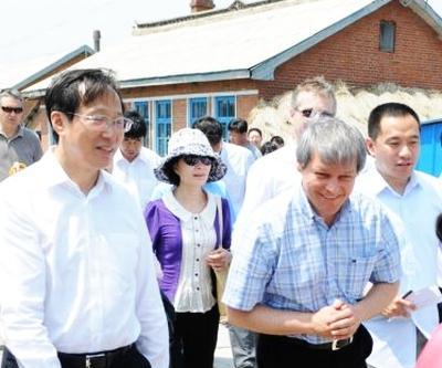 dacian-ciolos-se-intalneste-cu-agricultorii-chinezi