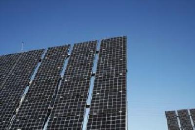 panouri-fotovoltaice-doar-pe-terenuri-scoase-din-circuitul-agricol