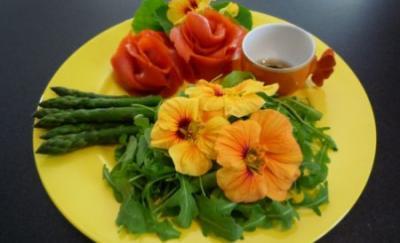 cum-a-fost-la-festivalul-florilor-comestibile-desfasurat-in-aceste-zile-la-sfantu-gheorghe