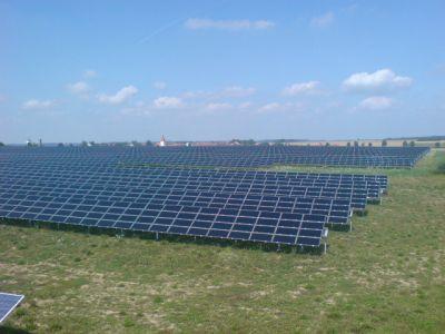 aproape-3000-de-hectare-de-terenuri-agricole-din-romania-gazduiesc-parcuri-fotovoltaice