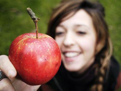 cati-bani-europeni-primeste-romania-pentru-aplicarea-programului-de-distribuire-a-fructelor-in-scoli