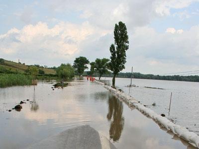 bilantul-inundatiilor-in-judetul-galati-aproape-7000-de-hectare-afectate-de-apa