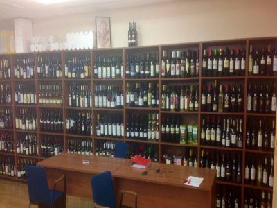 719-soiuri-de-vinuri-din-19-tari-participa-zilele-acestea-la-interntional-wine-contest-bucharest-2014