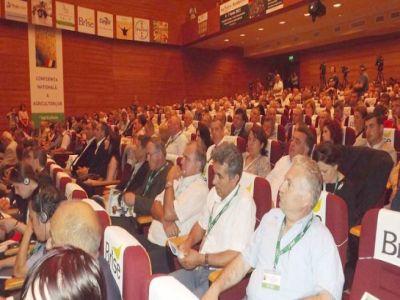 organizatiile-de-fermieri-vor-primi-bani-pentru-a-participa-la-consultari-cu-structuri-similare-din-europa