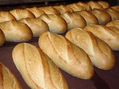 pretul-painii-ar-putea-creste-cu-10-la-suta