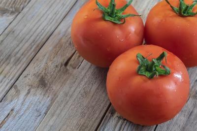 programul-tomata-se-transforma-in-legume-in-spatii-protejate