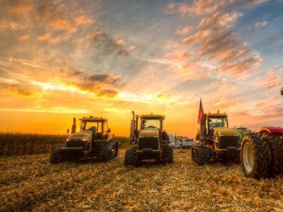 salarii-de-invidiat-pentru-tractoristii-din-arad