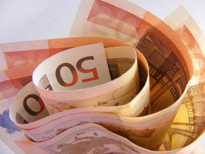 fermierii-primesc-aproape-100-de-euroha-drept-plata-pe-suprafata
