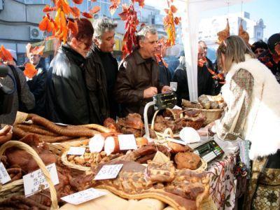 Targ dedicat fermelor de familie, in curtea MADR