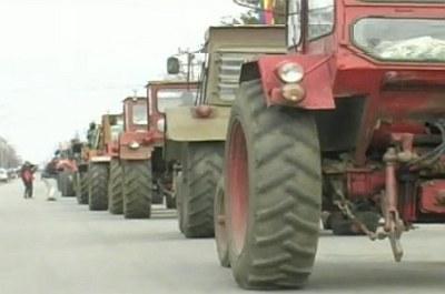 fermierii-au-iesit-in-strada-vezi-aici-ce-impozite-se-platesc-de-anul-acesta-pentru-tractoare-si-combine