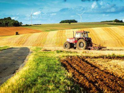 impozitul-pe-tractoare-si-terenuri-agricole-eliminat