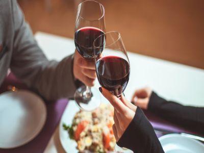 care-vinuri-sunt-cele-mai-bunepentru-masa-de-revelion